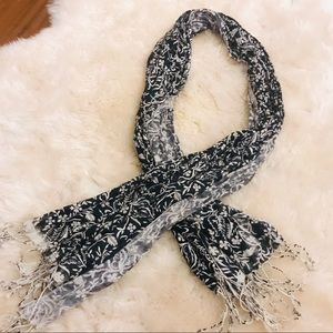 Accessories - Gorgeous Navy and White Scarf NEW